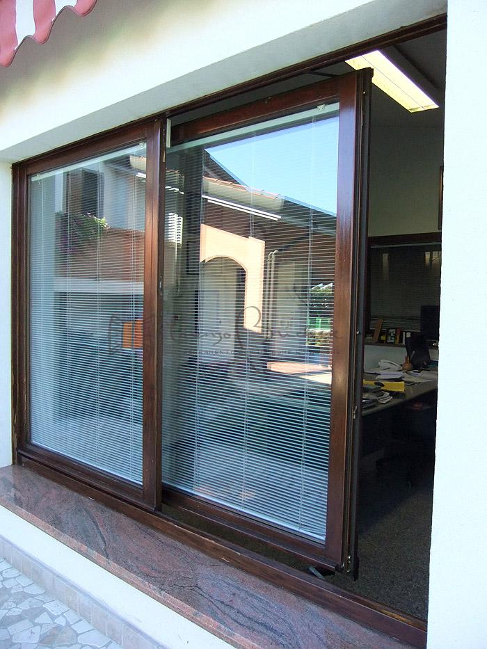 Finestre scorrevoli falegnameria lorenzo brichese - Verniciatura finestre prezzi ...